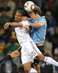 FIFA World Cup : Florent Malouda (France) vs Diego Lugano (Uruguay) - (Gettyimages)