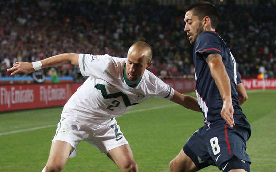 World Cup Group C Slovenia - USA: Miso Brecko, Clint Dempsey (Getty)