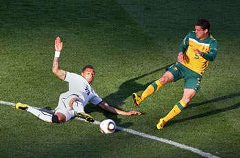 أستراليا بعشرة لاعبين تفرض التعادل 101652_hp.jpg