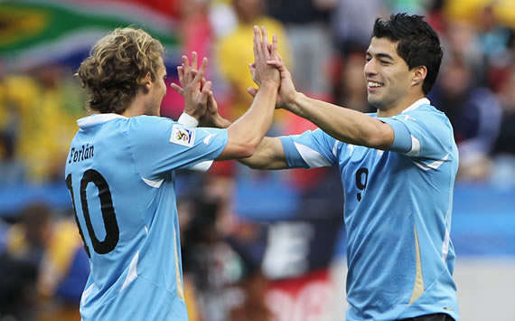 "World Cup 2010: Uruguay's Diego Forlan Reflects On Tough South Korea Game On ""Very Bad"" Pitch"