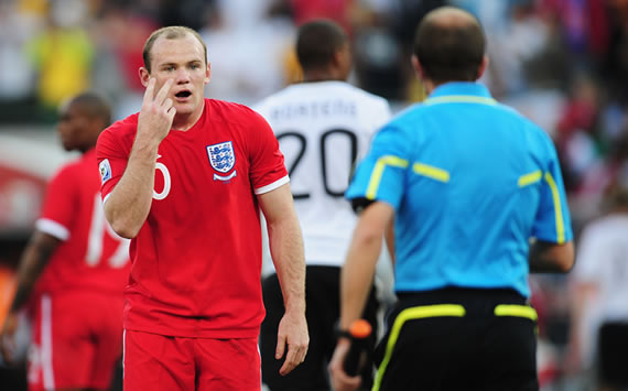 Bulgaria Coach Stanimir Stoilov Warns Referee Ahead of England Match