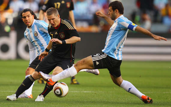 Tevez, Schweinsteiger, Mascherano - Argentina-Germany - World Cup 2010 (Getty Images)