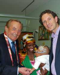 Gerhard Mayer-Vorfelder visiting a hospital in Cape Town