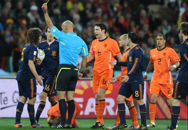 World Cup 2010: Mark van Bommel and Nigel de Jong blame Howard Webb for Netherlands' final defeat