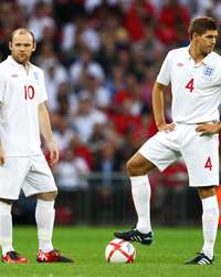 Wayne Rooney and Steven Gerrard of England(Getty Images)
