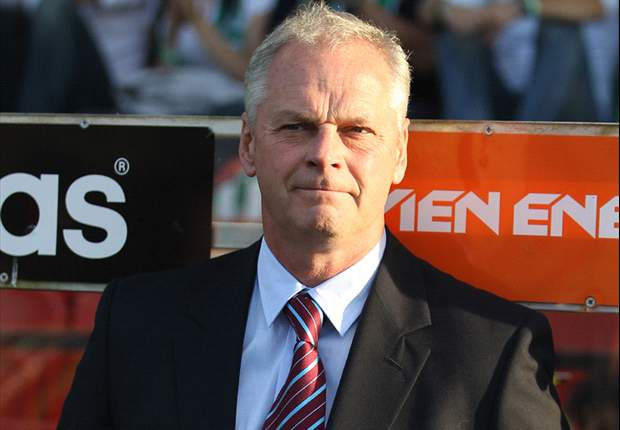 Swindon Town appoint former Aston Villa coach MacDonald as manager