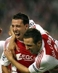 Mounir El Hamdaoui en Miralem Sulejmani (beiden Ajax) vieren feest; PROSHOTS