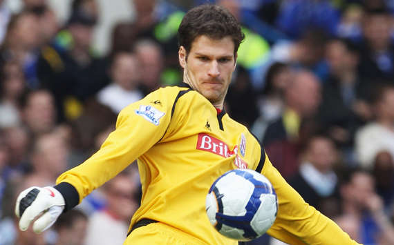 Begovic focuses on Stoke despite Manchester United interest