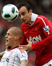 EPL - Manchester United vs Liverpool,  Martin Skrtel and Dimitar Berbatov (Getty Images)