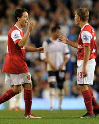 Carling Cup : Samir Nasri  -  Andrey Arshavin,   Tottenham vs Arsenal (Getty Images)