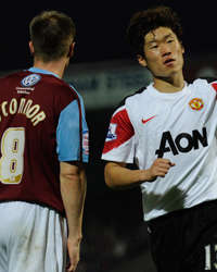 Carling Cup : Ji-Sung Park,   Scunthorpe United vs Manchester United(Getty images)