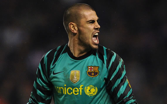 Victor Valdes 'very proud' to equal Andoni Zubizarreta's record as goalkeeper with most Barcelona appearances