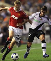 Darren Fletcher; Pablo Hernandez, Valencia, Manchester United (Getty Images)