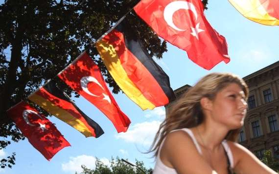 Flags of Germany and Turkey in Berlin during Euro 2008 (Getty Images)