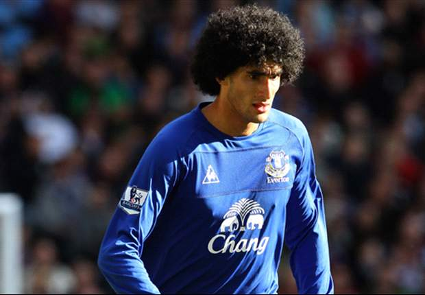 Arsenal & Chelsea on alert as Fellaini weighs up his Everton future