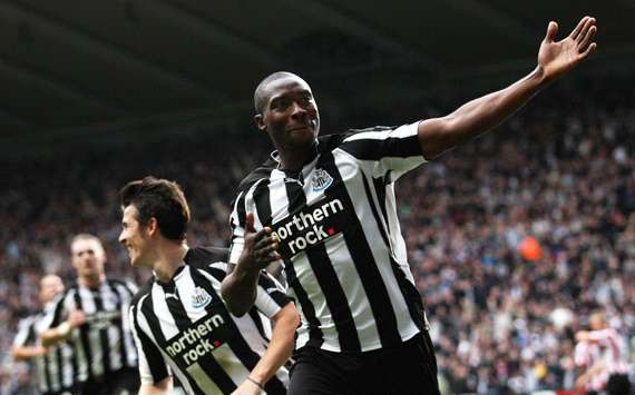 Shola Ameobi celebrates during Newcastle's 5-1 win over Sunderland (Getty images)