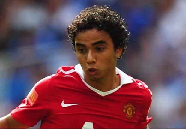 Fabio considers Manchester United exit