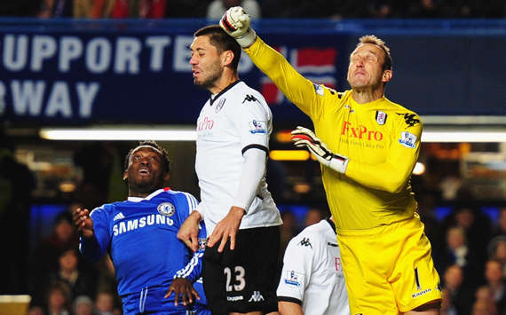 BPL, Chelsea and Fulham, Clint Dempsey, Mark Schwarzer, and Michael Essien, (Getty Images)