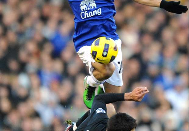 Everton's Steven Pienaar sidelined for Manchester City game with groin injury