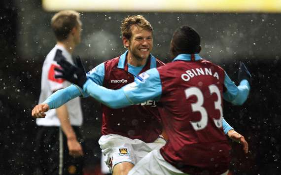Jonathan Spector &amp; Victor Obinna - West Ham (Getty Images)