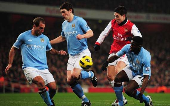 EPL - Arsenal vs Manchester City, Samir Nasri, Pablo Zabaleta, Gareth Barry(Getty Images)