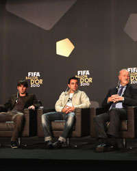 Andres Iniesta, Lionel Messi, Xavi, Vicente Del Bosque and Pep Guardiola (Getty Images)
