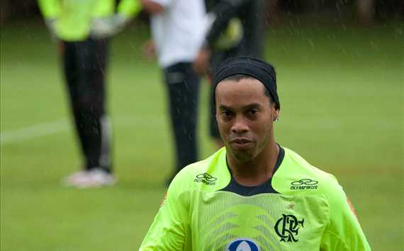 O fim da era Ronaldinho no Flamengo: um enredo de confuses e fracasso