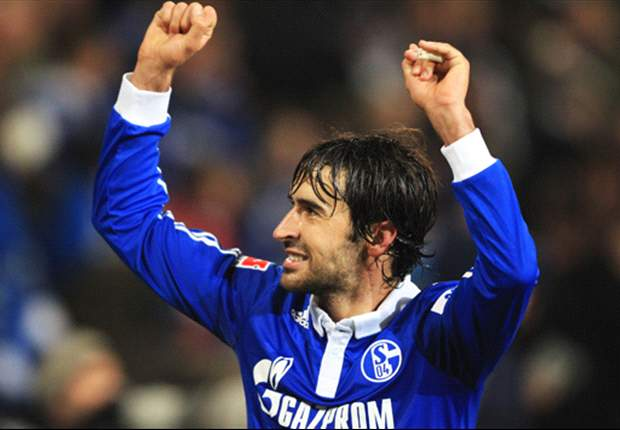 'It's fun again' - rejuvenated Raul targets Manchester United scalp for Schalke in Champions League semi-final