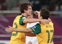 Robbie Kruse and Matt McKay, Australia vs Uzbekistan (Getty Images)