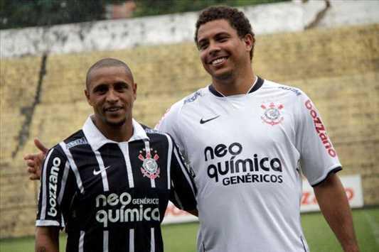 Roberto Carlos e Ronaldo -  Corinthians (Foto Dilvulgação)