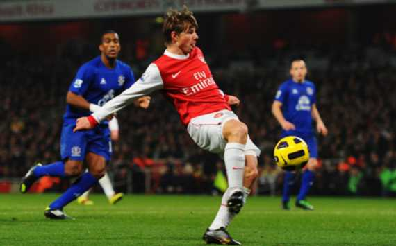 Arsenal star Andrey Arshavin came off the bench to score an equaliser against Everton (Getty Images)
