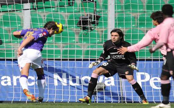 Gilardino-Sirigu - Palermo-Fiorentina - Serie A (Getty Images)