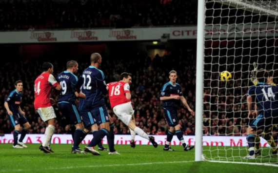 EPL : Sebastien Squillaci, Arsenal Stoke City