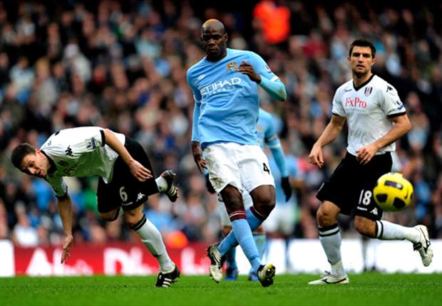 Roberto Mancini criticises Mario Balotelli's performance in Manchester City's 1-1 draw with Fulham
