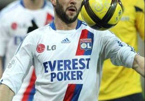 Lisandro and Gourcuff expected to remain at Lyon