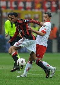 Robinho (M), Codrea (B) - Milan-Bari - Serie A (Getty Images)