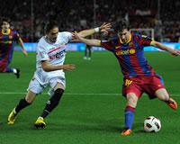 Martin Caceres, Lionel Messi, Sevilla, Barcelona