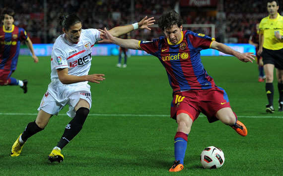 Martin Caceres, Lionel Messi, Sevilla, Barcelona