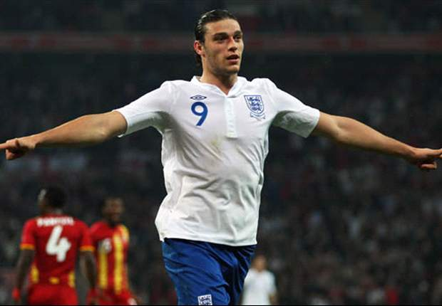 Carroll set to lead the line for England in Euro 2012 opener after Welbeck limps out of training