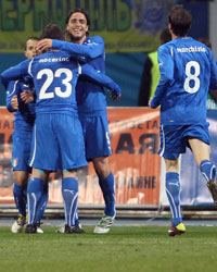 L'Italia festeggia la vittoria sull'Ucraina (Getty Images)