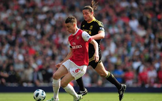 EPL,Arsenal v Liverpool, Andy Carroll and Laurent Koscielny