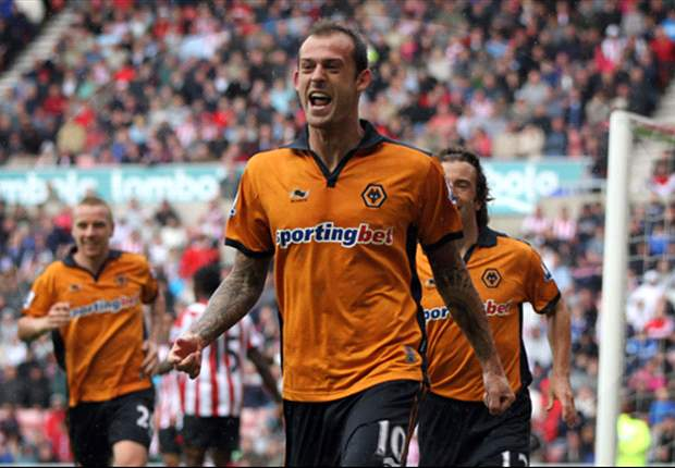 Sunderland make offer for Wolves striker Steven Fletcher - report