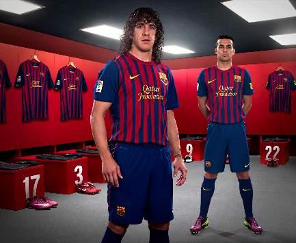 """Новая форма футболистов  """"Барселоны """" создана из пластиковых бутылок."""