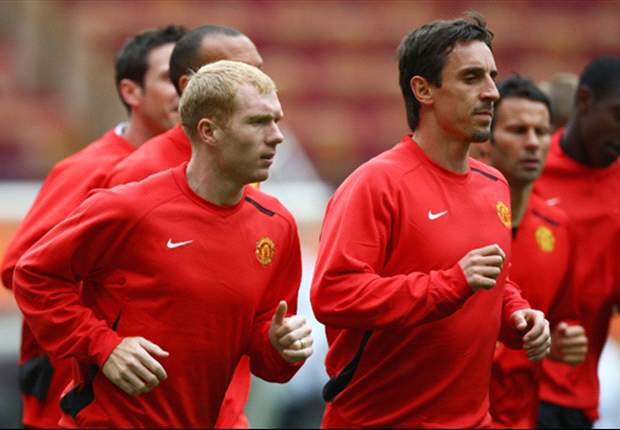 Gary Neville lauds 'best English player of his generation' Scholes