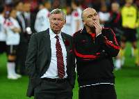 Sir Alex Ferguson - Mick Phelan - Champions League Final 2011 - Wembley (Barcelona 3-1 Manchester United)