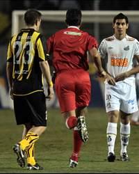 Valdez e Ganso - Santos x Peñarol (Wander Roberto)