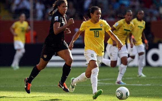 Shannon Boxx of USA and Marta of Brazil, Women's World Cup (Getty Images)