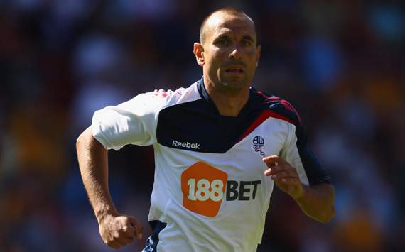 Bolton winger Petrov set to join Espanyol