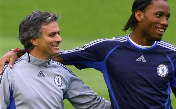 Drogba & mourinho (Getty)