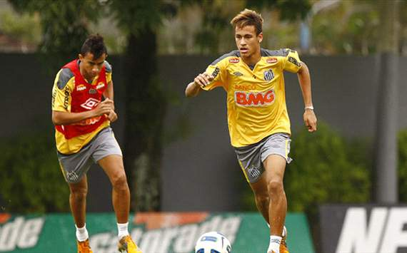 Neymar's father insists son will not leave Santos in January